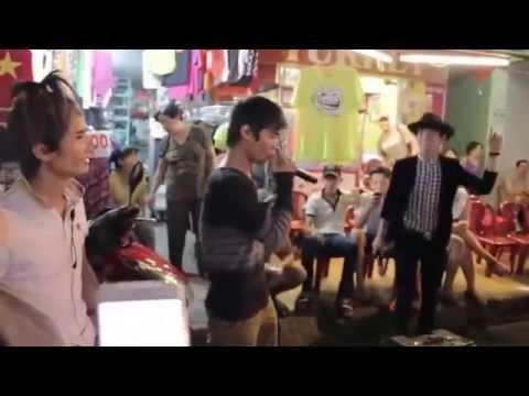 Bộ ba Lệ Rơi | Thánh bàn chải | Bùi Vĩnh Phúc gây kẹt xe ở Sài Gòn gây sốt cộng đồng mạng