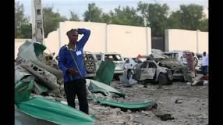 مقتل 18 شخصا في انفجار سيارتين...