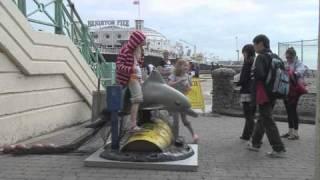Banksy: Pier Pressure