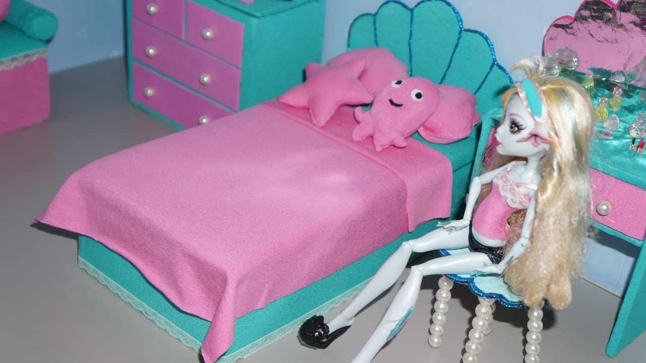 Como fazer cama para boneca monster high lagoona blue - Camas monster high ...