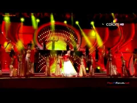 Madhuri Dixit full performance at Stree Shakti Awards 2014 !!!