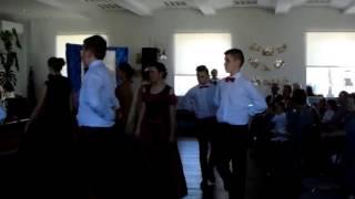 Taniec w wykonaniu uczniow klasy VI - Dzien Seniora 28.03.2017