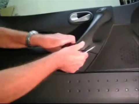 le l ve vitre de votre renault fait des siennes voici la mani re la plus facile de le r parer. Black Bedroom Furniture Sets. Home Design Ideas