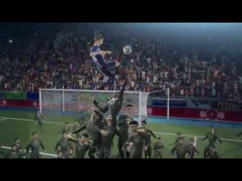 Ronaldo giải cứu thế giới bóng đá