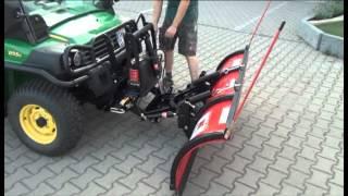 John Deere Gator XUV 855 D Mit Boss Schneeschild Bei