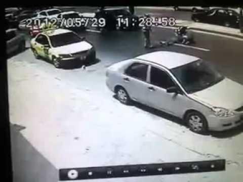 حادث دهس مروع في شارع المدينة المنورة عمان جديد   YouTube