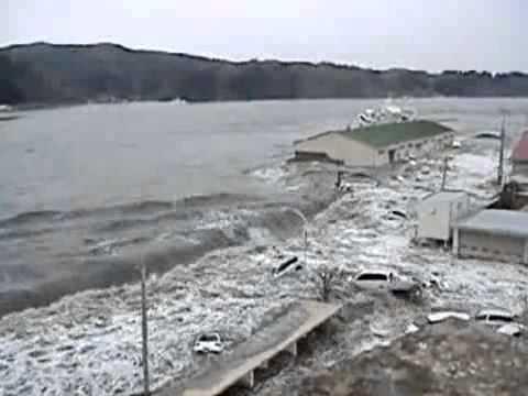 Clip Mới - Sóng Thần Kinh Hoàng trận động đất 9,0 độ richter ở Nhật Bản