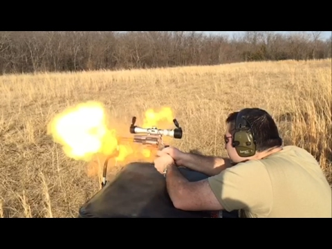 Smith & Wesson 460 XVR shooting flames