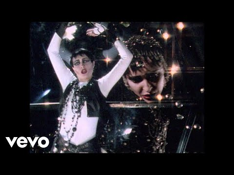 Siouxsie And The Banshees - The Passenger, Music video by Siouxsie And The Banshees performing The Passenger. (C) 1987 Universal Music Video Ltd.