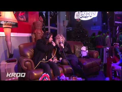 Streaming Almost Acoustic Christmas 2011 Interview - Jane's Addiction (Dave Navarro) Movie online wach this movies online Almost Acoustic Christmas 2011 Interview - Jane's Addiction (Dave Navarro)