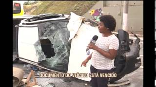 Motorista inabilitado perde controle e cai de viaduto no Anel