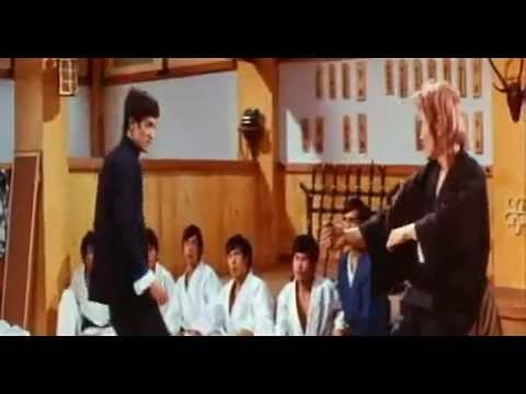 Bruce Lee Fights a School (https://www.facebook.com/KarateQuotes)