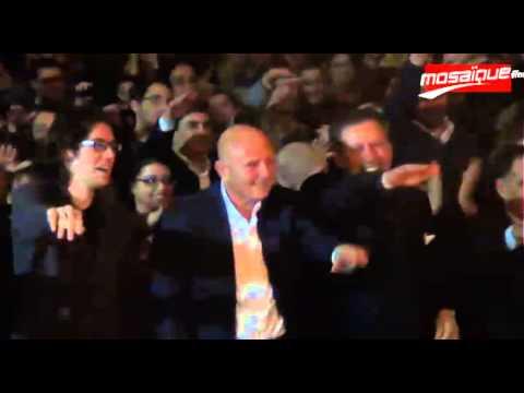 image vidéo أحمد نجيب الشابي يرقص ''الماكارينا''