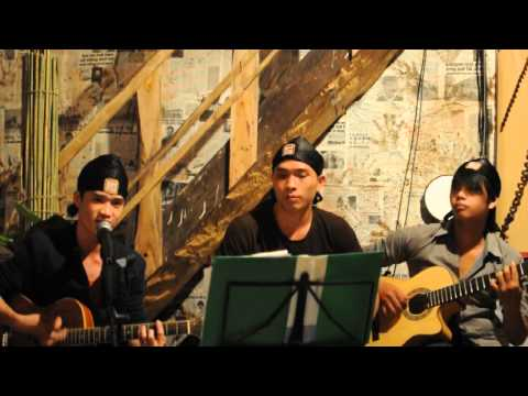 Fingers Band taij Cafe Tượng