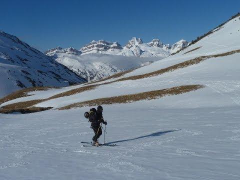 Ascensión y descenso con esquís del Pico de los Monjes / Pic des Moines y Pico de Astún