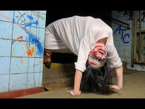Хорор скриена камера: Девојка опседната од демон оди како пајак