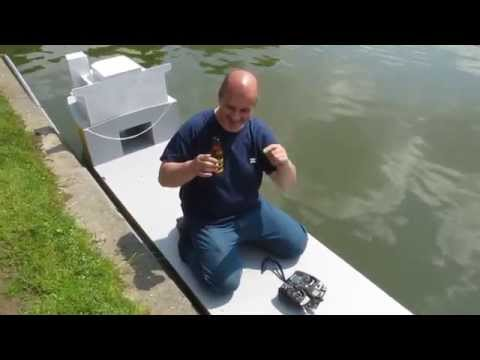 Massy 2014 : Baptême du semi submersible RC de Christian