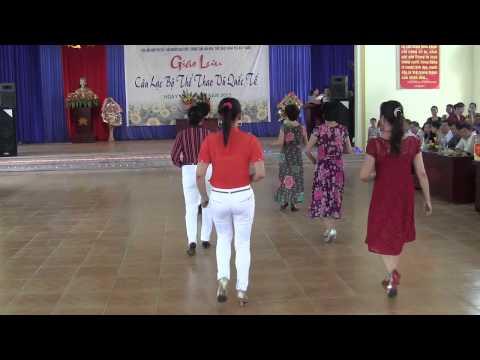 Khieu vu Bac Giang-Giao luu 16 CLB 12-5-2013-Bieu dien P:NQ(1)