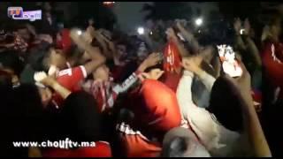 و تستمر احتفالات الوداديين بلقب البطولة 19 وها شنو دارو منين رجعو من آسفي.. |