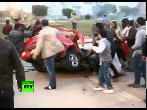 Action amateur video of Libya street gun fight in Benghazi