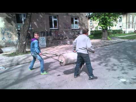 image vidéo le bazooka-poubelle fabriqué en Pologne