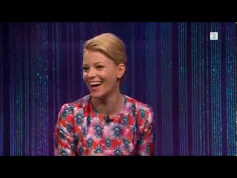 Elizabeth Banks Funny Promotion Interview Hunger Games-Senkveld 15.11.2013