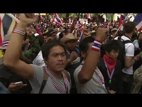 BANGKOK PROTESTS: 'LURKING THREAT OF VIOLENCE' - BBC NEWS