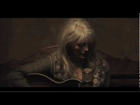 Emmylou Harris: Goodnight Old World