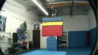 4 Yrs Old Kid Freerunning!! 3run-Parkour GuardianNexus.com