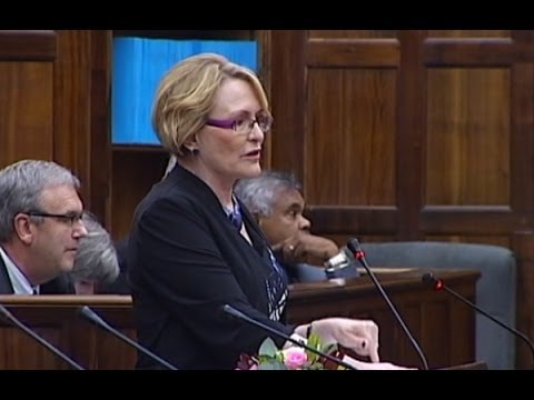 Zille receives mixed response at State of the Province Address