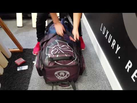Phantom Cricket Large Stand Up LE Wheelie Holdall Cricket Bag (Mauve/Black)