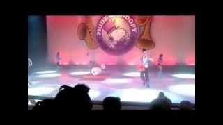 Snoopy Unleashed: The Peanuts Gang Live And On Ice!