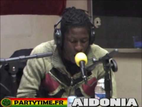 Freestyle Aidonia at Party Time