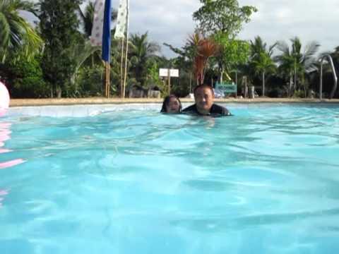 Varra & Papa underwater