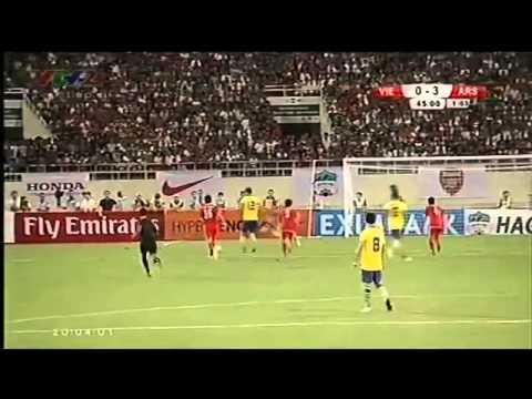 Tổng hợp những pha sút bóng đẹp mắt trận Việt Nam - Arsenal (17/07/2013)