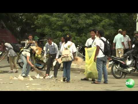 Cambodian Youth Clean Up a Place of Protest