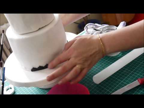 Motivtorte: Fondant Bordüre / Blütenpaste band border herstellen - How to make cake decoration