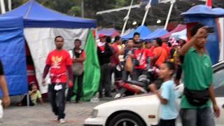 Ultras Malaya Ajar Indon Kurang Ajar di Bukit Jalil AFF Suzuki Cup 1 Disember 2012 view on youtube.com tube online.