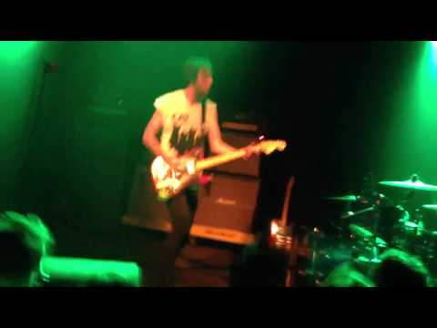 Japandroids - The House That Heaven Built (live Incubate 2012 Tilburg)
