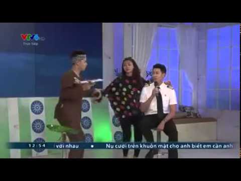 Cơ trưởng điển trai và trẻ nhất Việt Nam khoe giọng khiến fan phát sốt