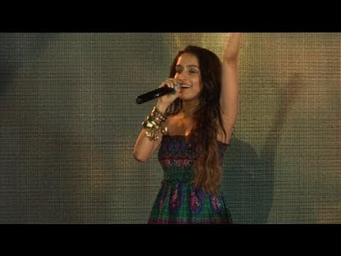 Shraddha Kapoor Teri Galliyan Live On Camera
