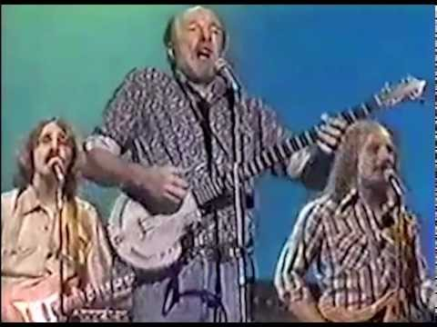 Pete Seeger & Arlo Guthrie - You Gotta Walk That Lonesome Valley