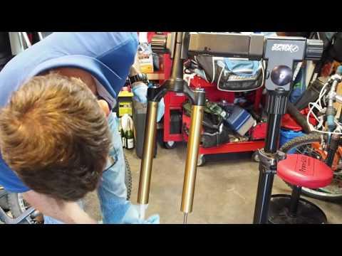 Fox Fork Oil Change (2014 Fox 34 Talas Factory CTD w/ Adj)