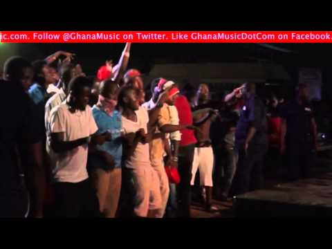 Sarkodie & Abeiku Santana - - Dancing Akayida @ Lifebuoy Hygiene Concert | GhanaMusic.com Video