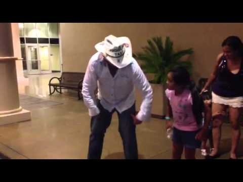 Daniel Eric Mann - White Guy Mexican Girl Dance Ethiopian Haile Roots Bado Neber