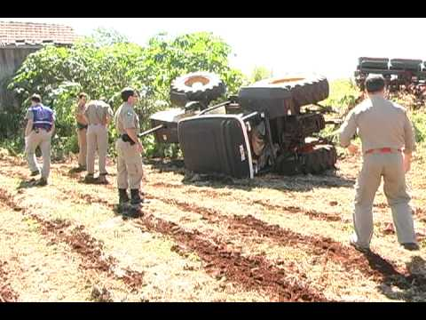 MAT. ACIDENTE COM TRATOR EM JUSSARA 19-03-2010.avi