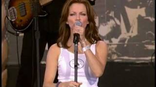 Martina McBride Independence Day (Live At Farm Aid 2001
