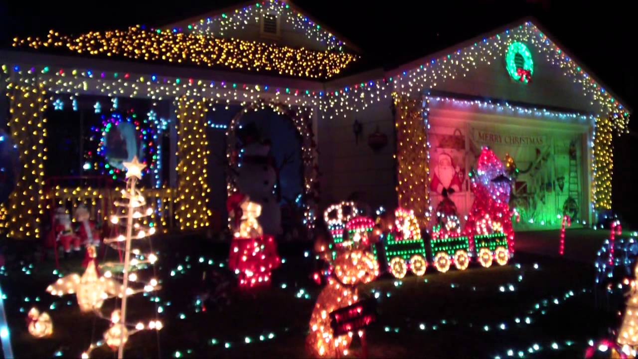 Gonzalez 2013 Christmas Light Show - YouTube