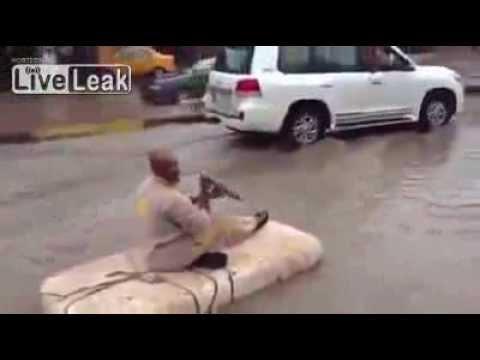 Huge flood in Saudi Arabia   to travel to the flood