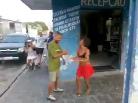 Bebados Dançando Kuduro